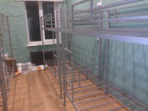 Двухъярусная кровать в хостел
